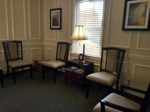 View of the waiting room at Family Chiropractic of Columbia