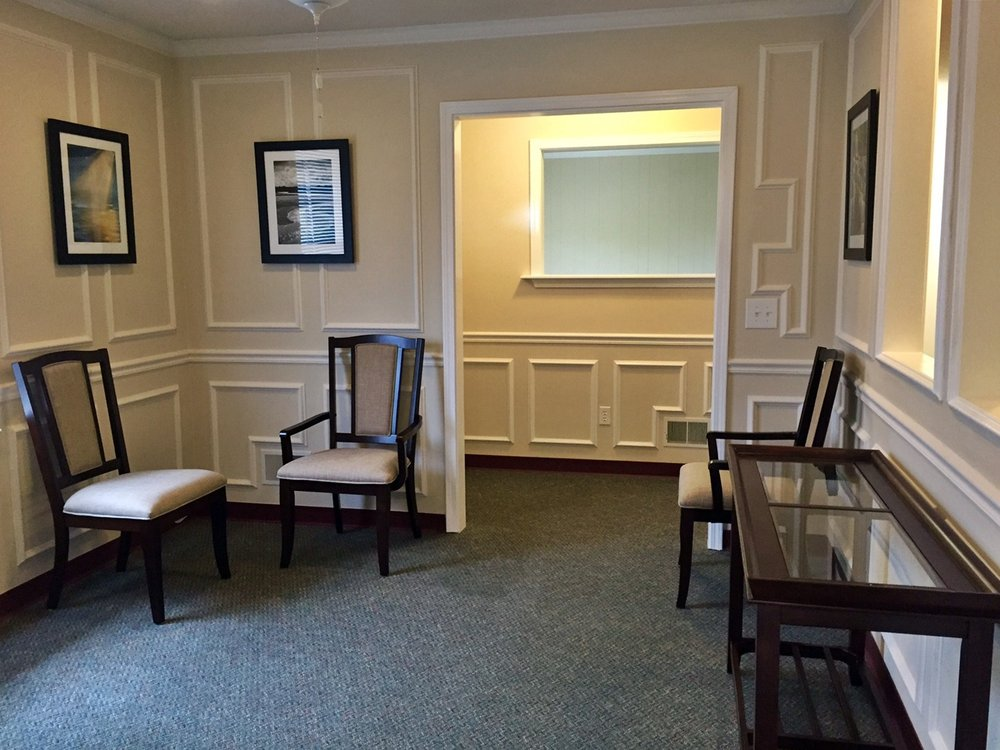 View of the waiting room and front desk area at Family Chiropractic of Columbia